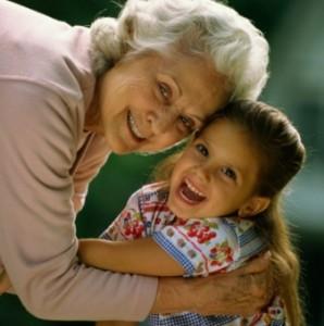 Wenn Oma sich einmischt – Wie viel Erziehung sollten Großeltern übernehmen? © 2010 Photos.com