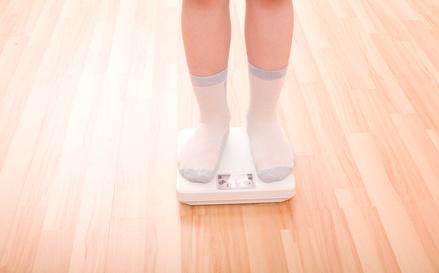 Übergewicht – Kinder benötigen keine Diät zum Abnehmen © Igor Stepovik - Fotolia.com