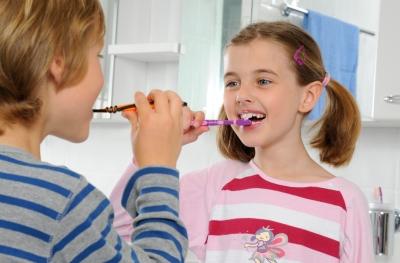 So wird Zähneputzen zum Kinderspiel